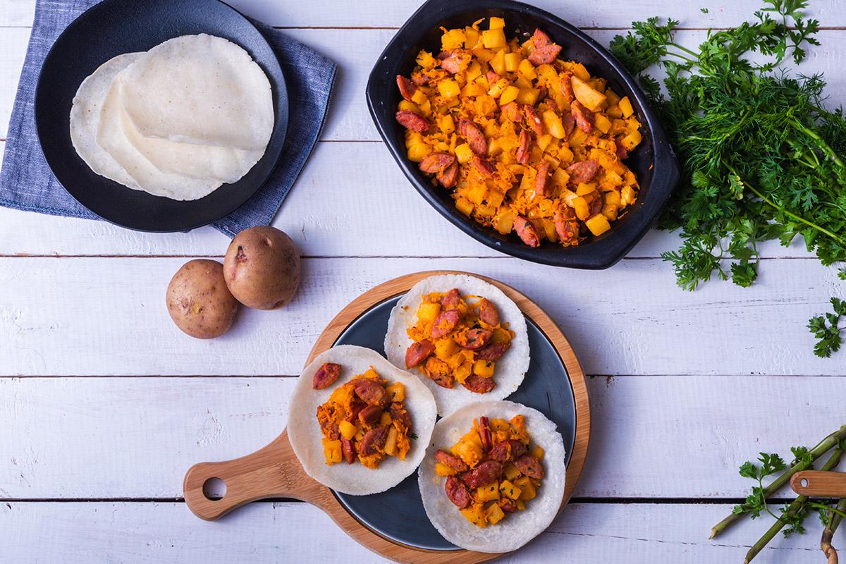 Tortillas con Picadillo